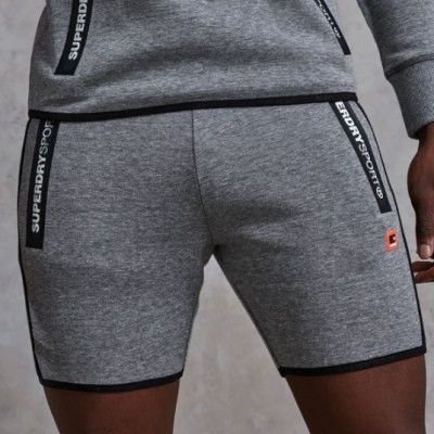 Foto van Superdry Gym Tech Stripe Slim Short