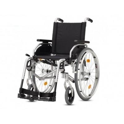 Foto van Small Lichtgewicht rolstoel Pyro Start zilver (zitbreedte 40cm)