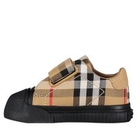 Picture of Burberry 4076323 kids sneakers black