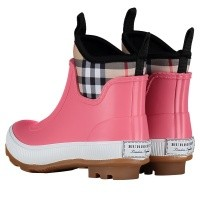 Picture of Burberry 4075992 kids boots pink