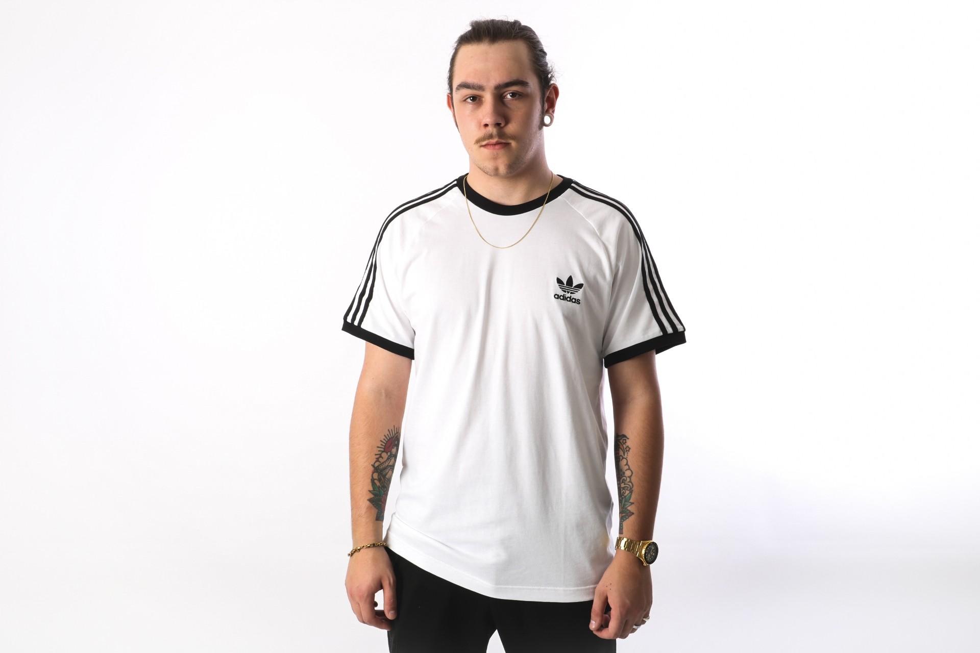 Foto van Adidas Originals CW1203 T-shirt 3-stripes Wit