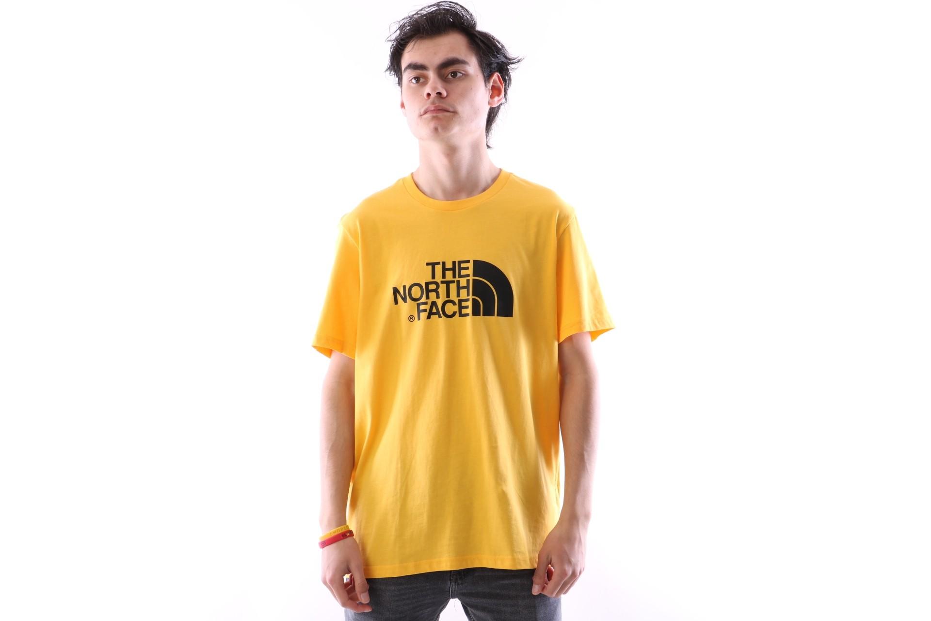 Foto van The North Face T92TX3-70M T-shirt Easy Geel