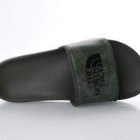 Afbeelding van The North Face T93FWO-4FB Slide sandal Bc slide II Groen
