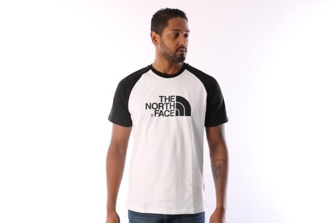 Foto van The North Face T937FV-LA9 T-shirt Raglan easy Wit