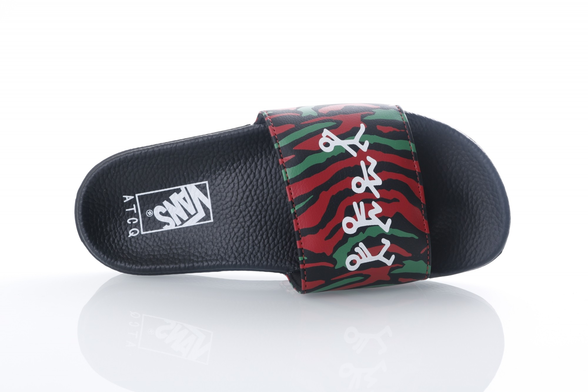 Foto van Vans Classics VA33TY-Q4B Slide sandal Slide-on Zwart