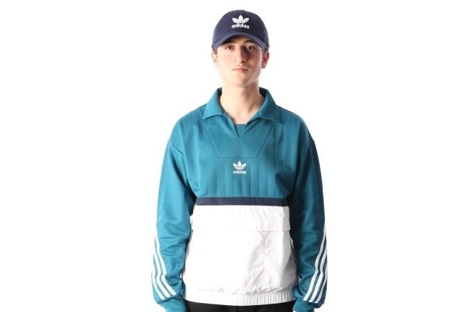 Foto van Adidas Originals CE4812 Crewneck Drill Blauw