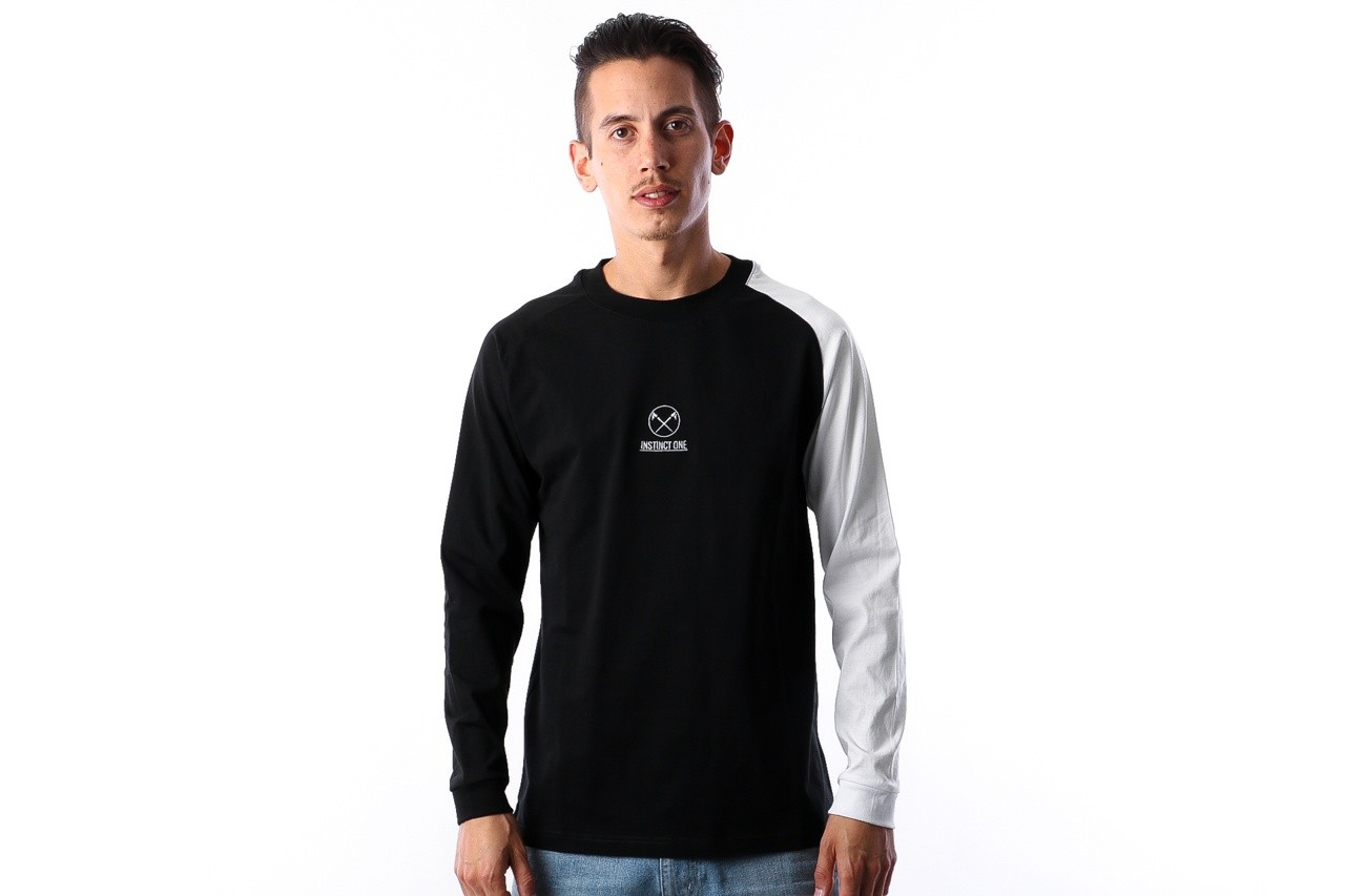 Foto van Instinct One Home Runner Baseball IO-18003 Longsleeve Black / White