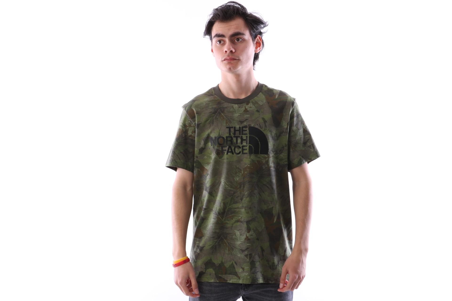 Foto van The North Face T92TX3-1TH T-shirt Easy Groen