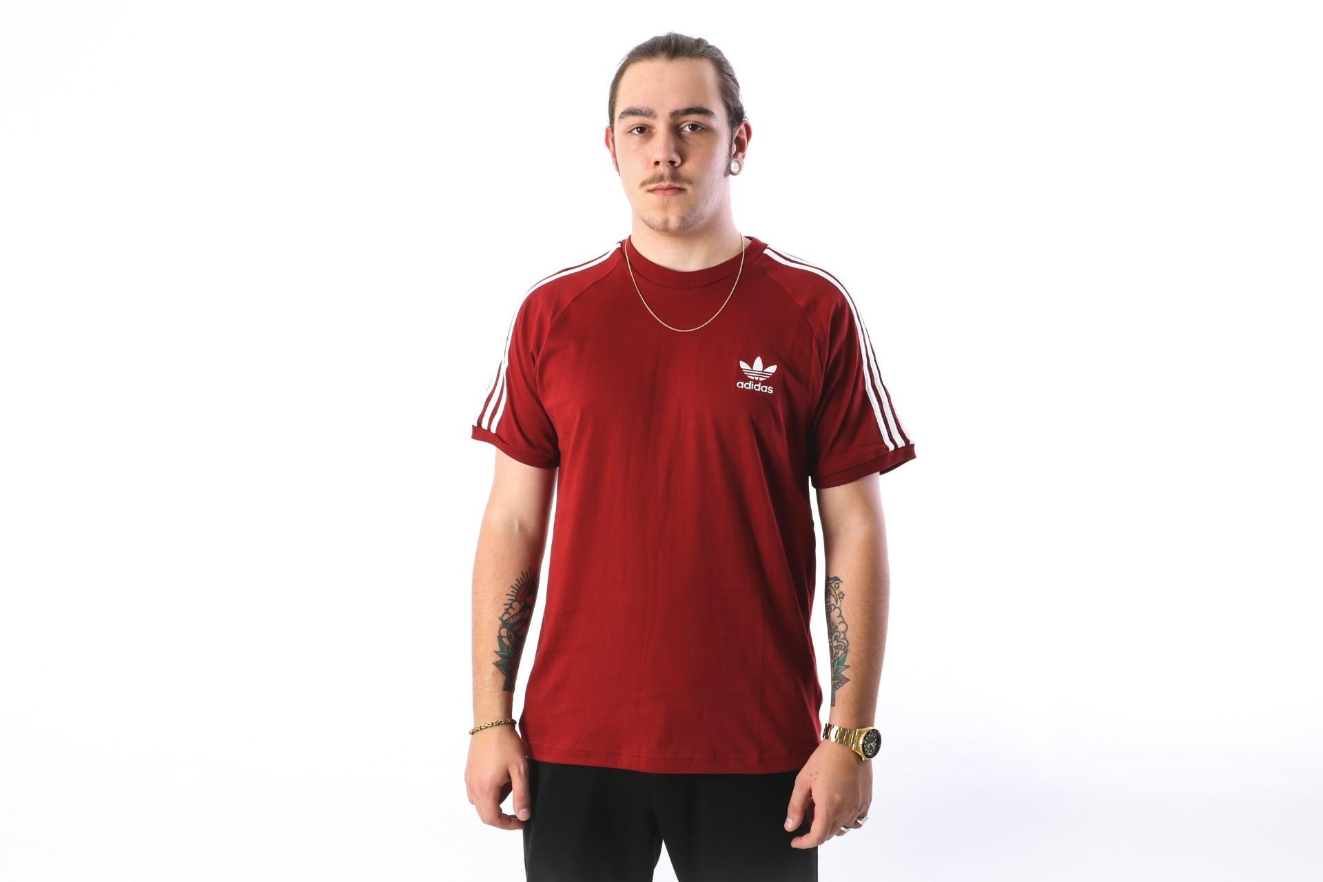 Foto van Adidas Originals CZ4544 T-shirt 3-stripes Bruin