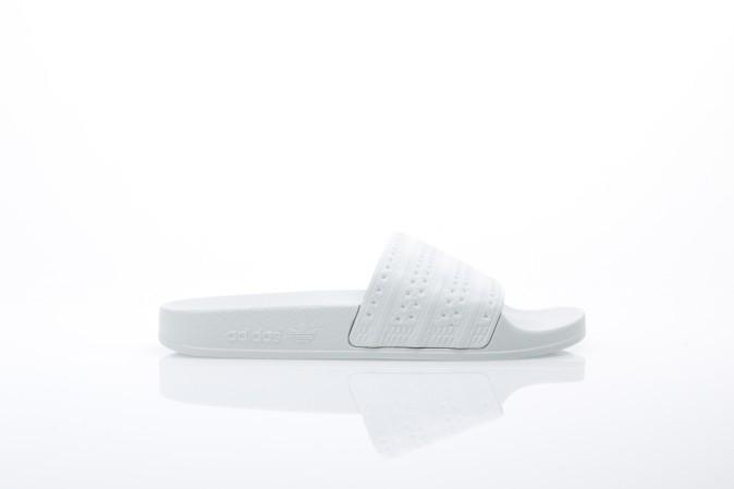 Foto van Adidas Originals BA7540 Slide sandal Adilette Groen