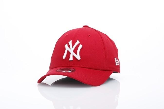 Foto van New Era Kids 10877282 Dad cap 940 MLB league basic NY Yankees Rood