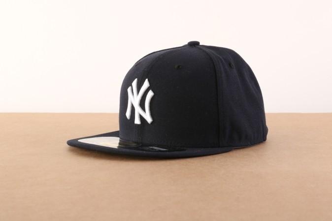 Foto van New Era BASIC Fitted cap Authentic New York Yankees Blauw