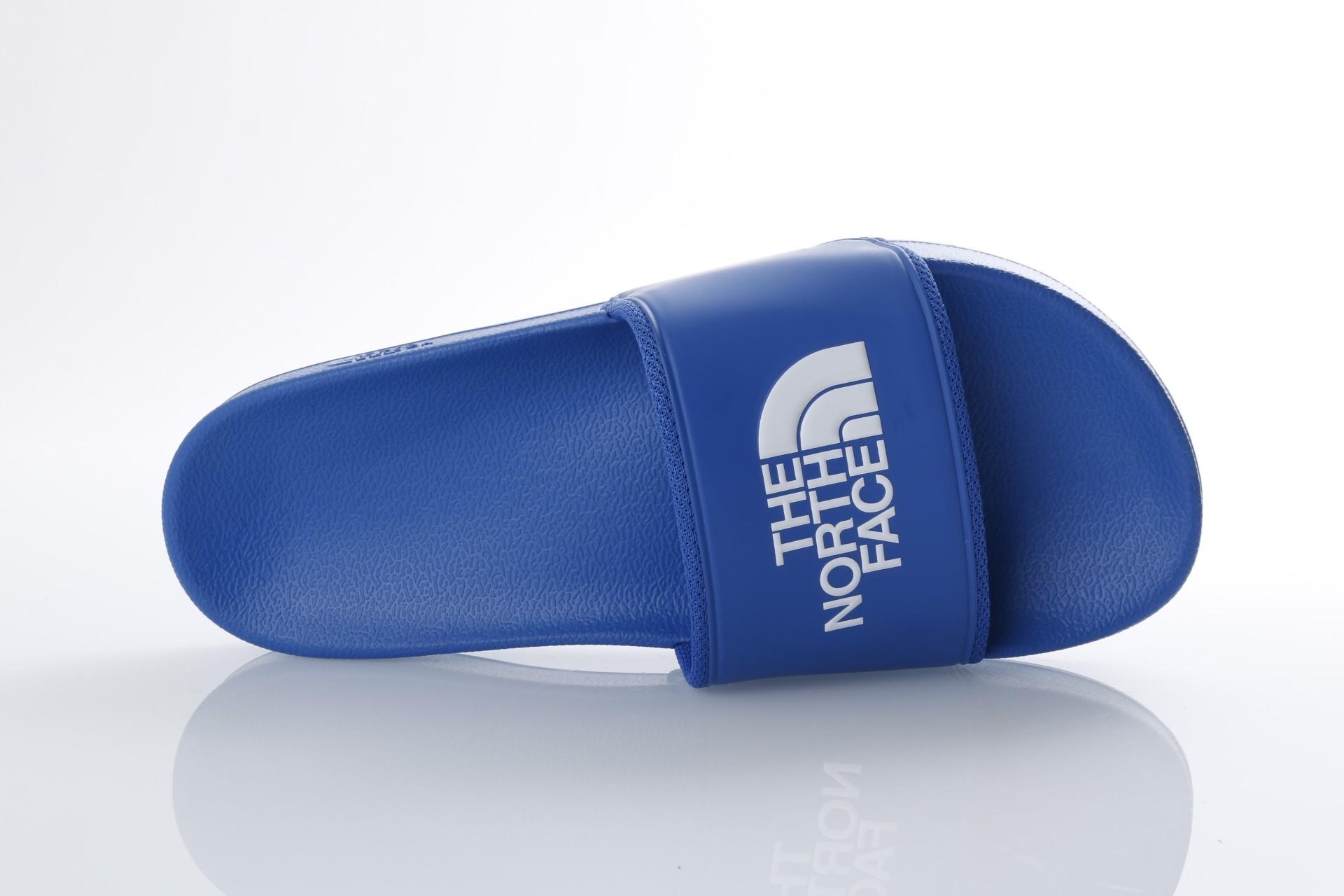 Foto van The North Face T93FWO-1UZ Slide sandal Bc slide II Blauw
