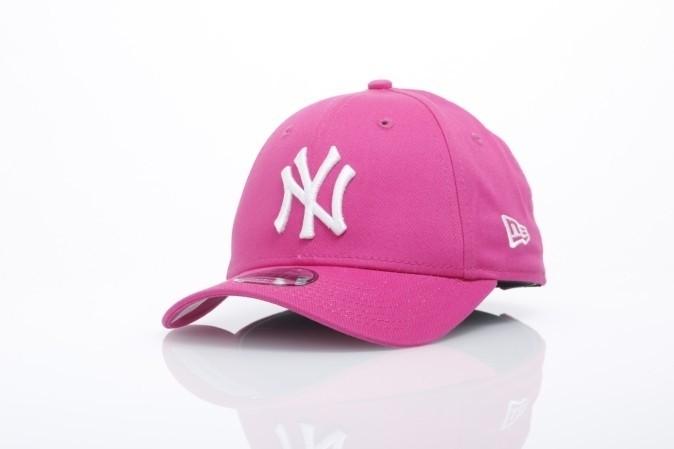 Foto van New Era Kids 10877284 Dad cap 940 MLB league basic NY Yankees Roze