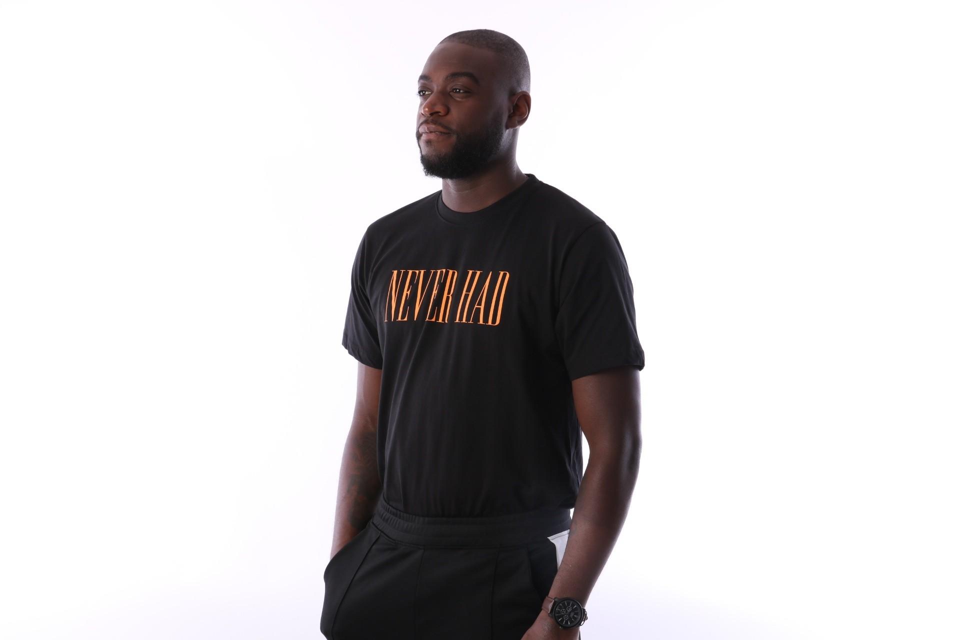 Foto van Aristoteles Never Had T-shirt NHT02 Black / Orange