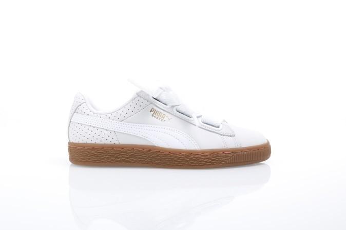 Foto van Puma Ladies 366809-01 Sneakers Basket heart perf gum Wit