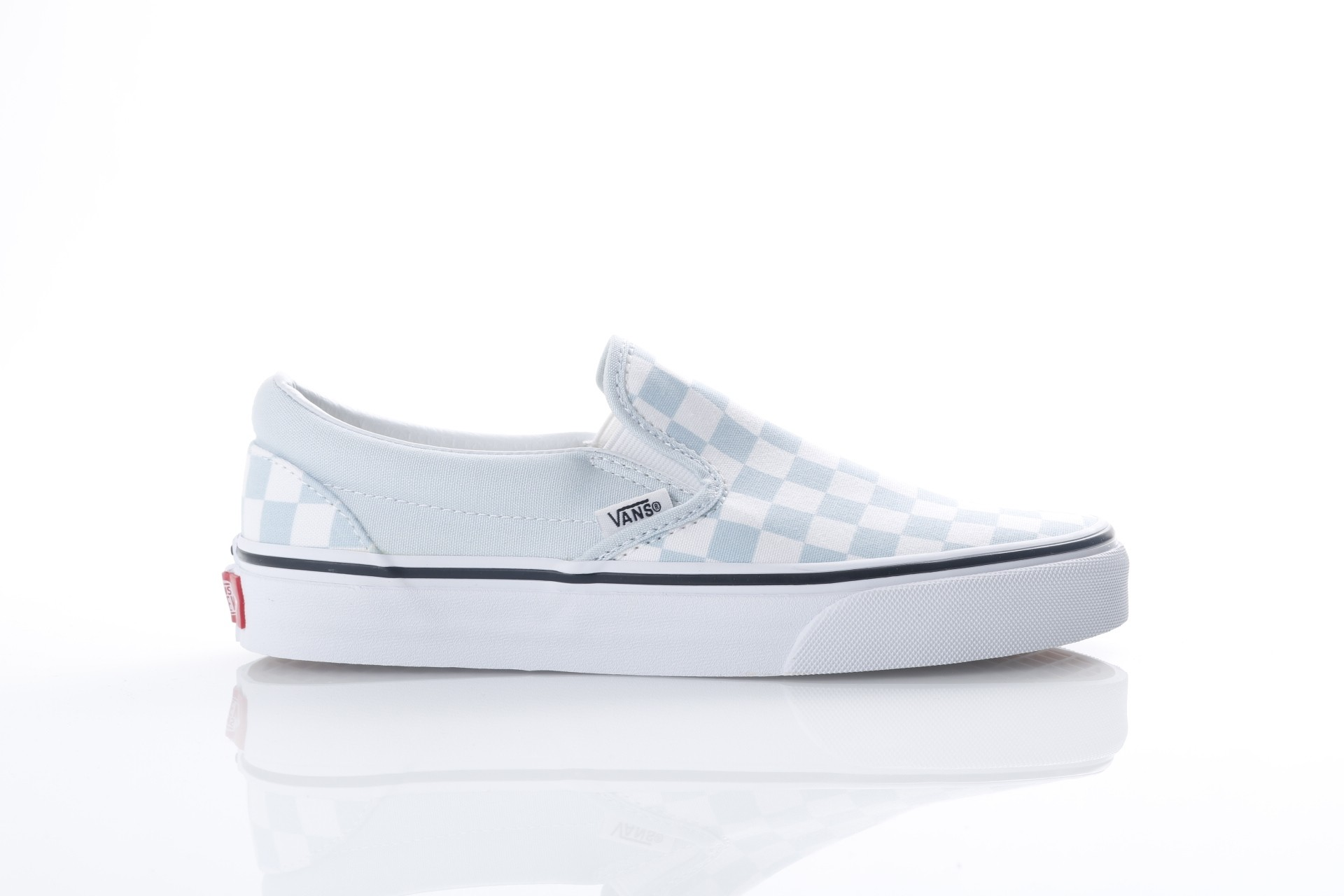 Foto van Vans Classics VA38F7-QCK Sneakers Classic slip-on Blauw