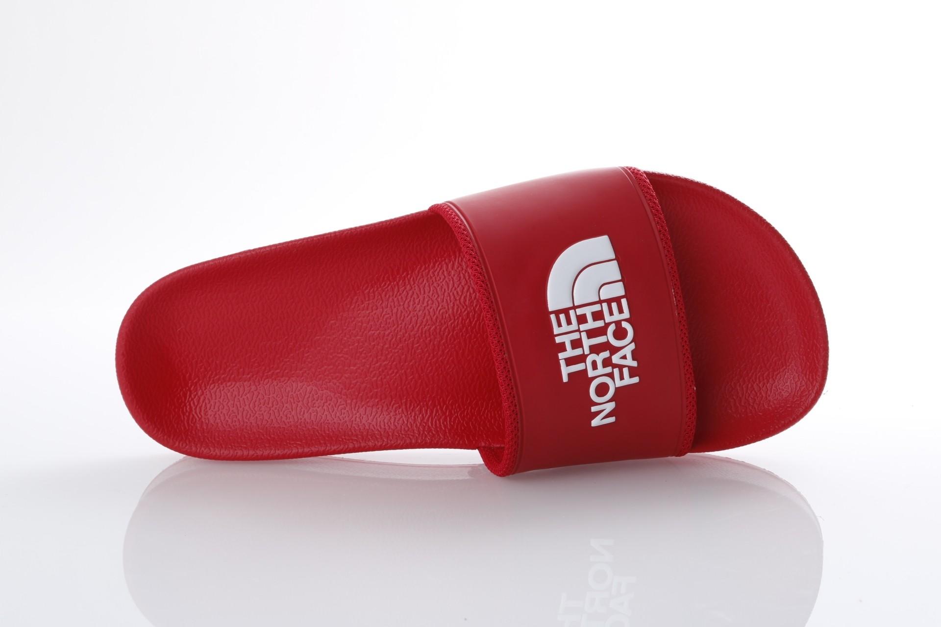 Foto van The North Face T93FWO-KZ4 Slide sandal Bc slide II Rood