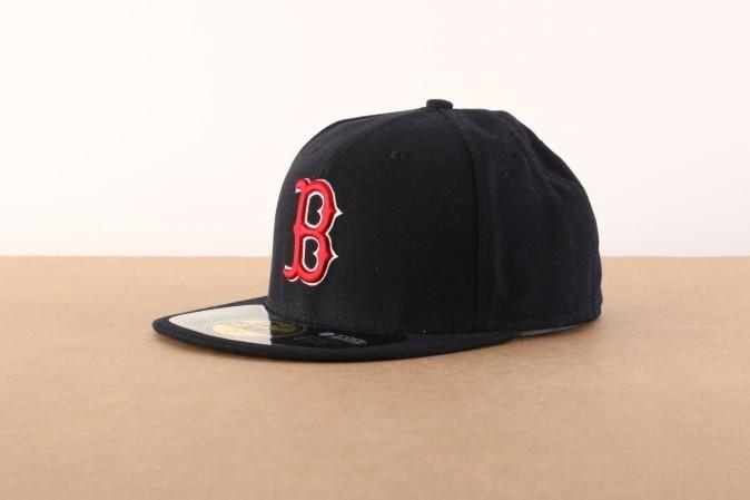Foto van New Era BASIC Fitted cap Authentic Boston Red Sox Blauw