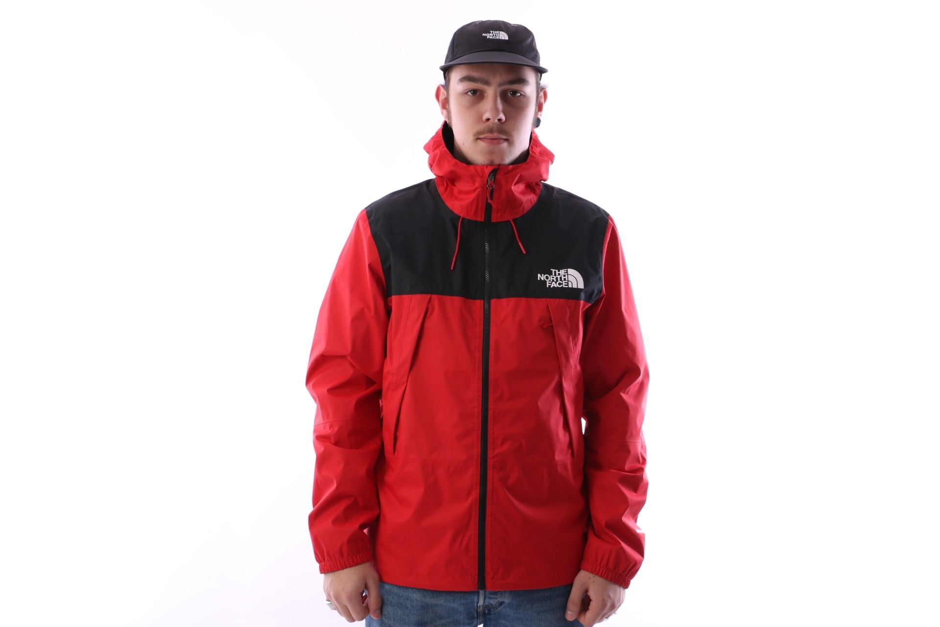 Foto van The North Face T92S51-682 Jacket 1990 mountain Q Rood