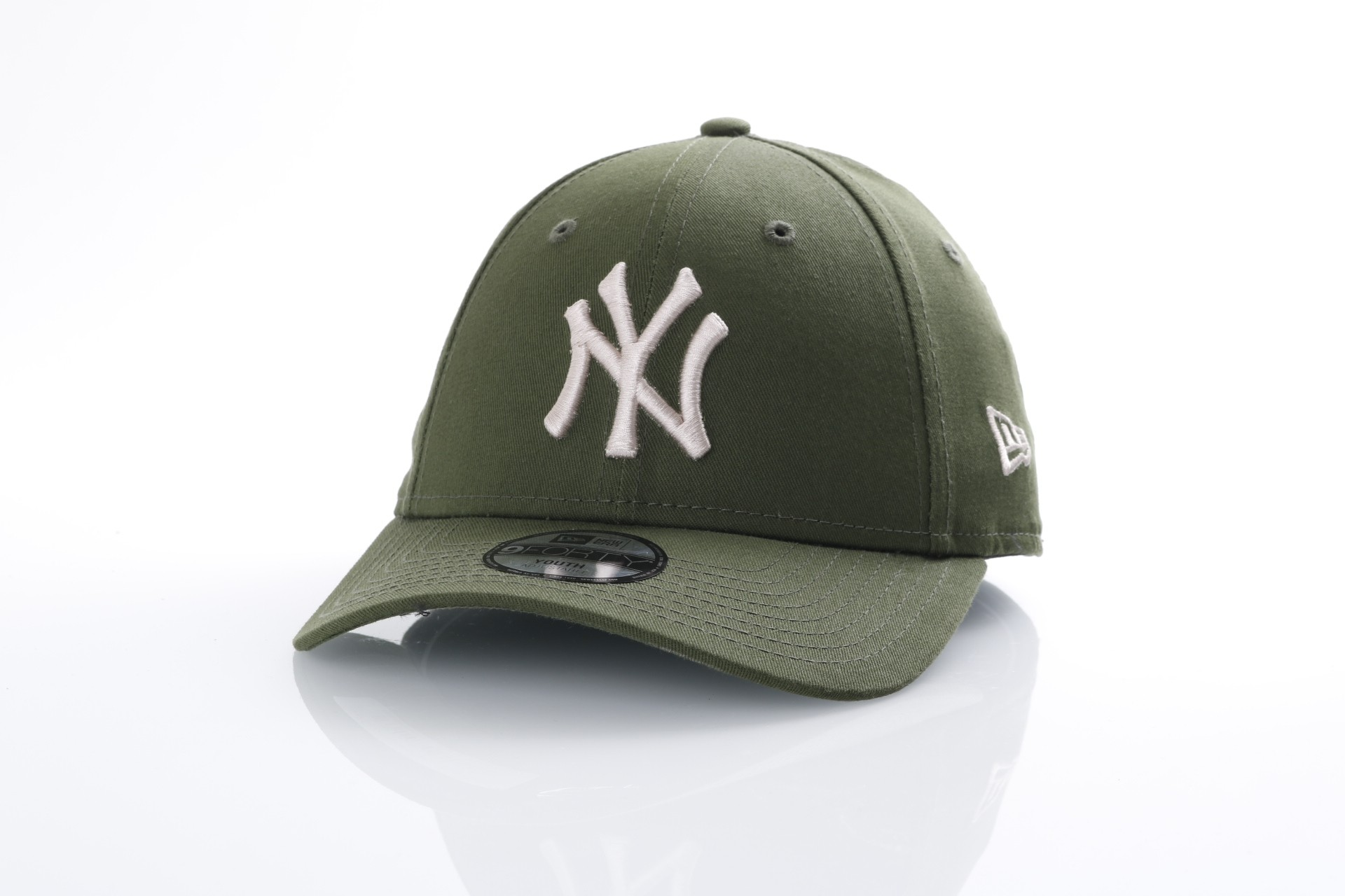 Foto van New Era Kids 80536633 Dad cap Kids league essential 940 NY Yankees Groen