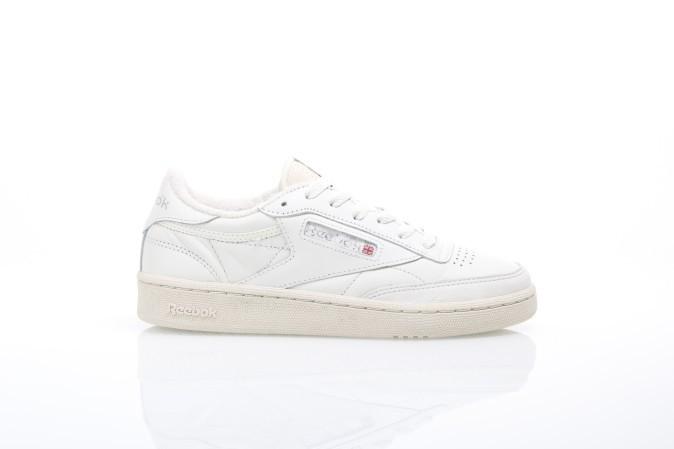 Foto van Reebok Ladies BS8243 Sneakers Club c85 vintage Wit